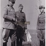 Generalfeldmarschall Günther von Kluge beim Stab e. Heeresgruppe